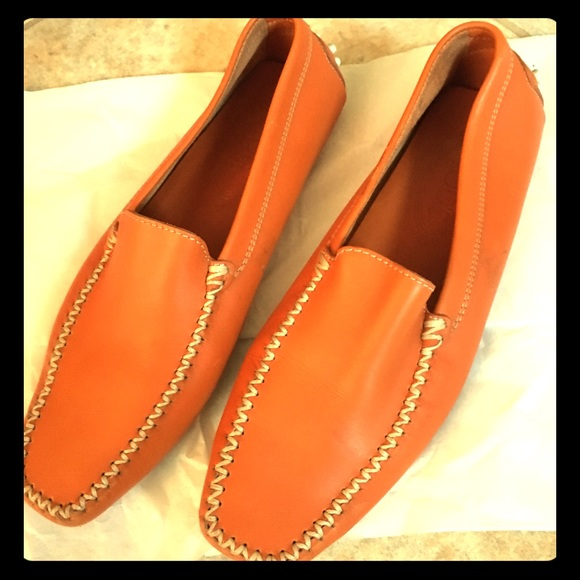 8f35be44231 Tod's Gommino Driving Loafer Moccasin Orange. Tod's.  M_5be227c78ad2f97e205d9353. M_5be227ccaa8770c5b4b24da9.  M_5be227cf34a4ef33c9911cbc